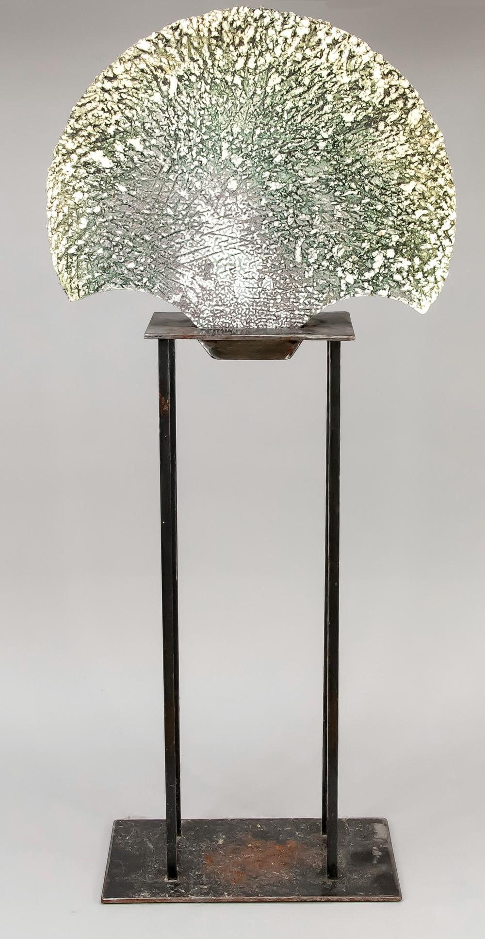 Unidentified contemporary scul