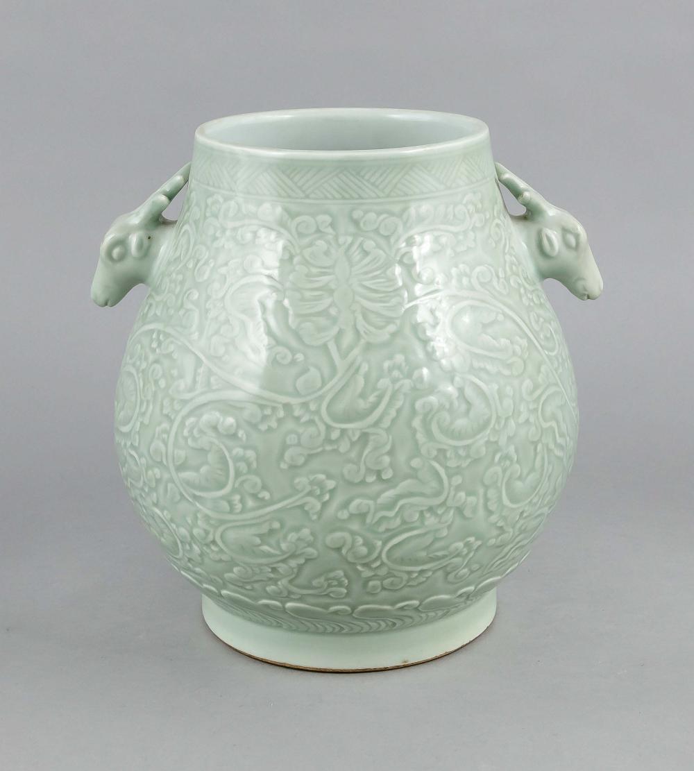 Large vase, China, 19th/20th c