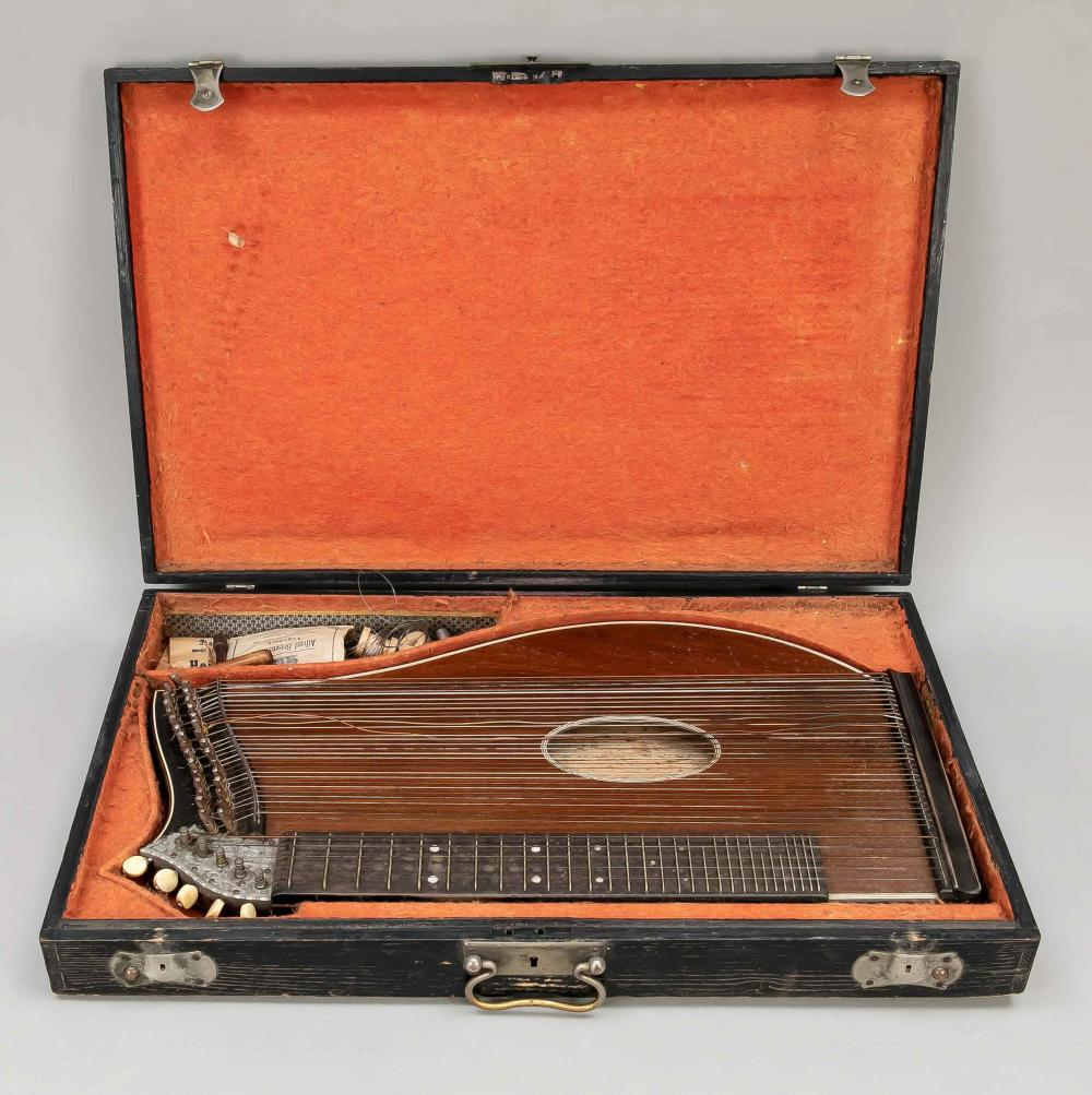 Zither in a box, 19th/20th centur