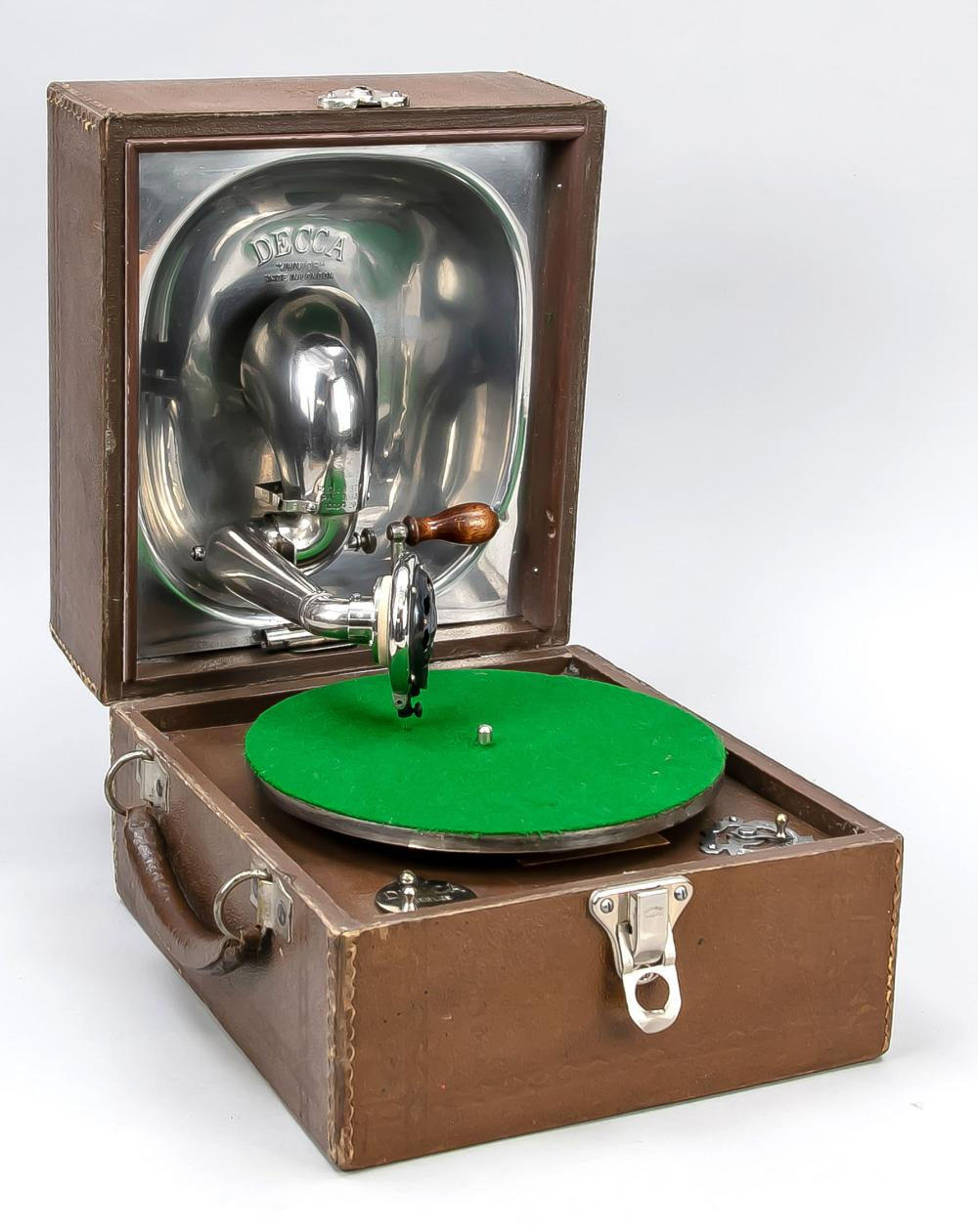 Case gramophone, England, early 2