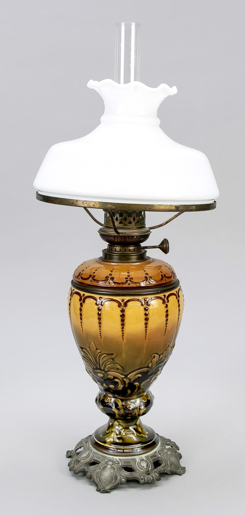 Petroleum lamp, end of the 19th c