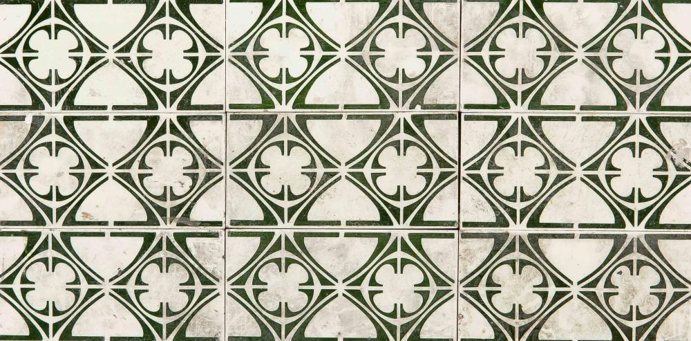 Tile border of 26 tiles, end of 1