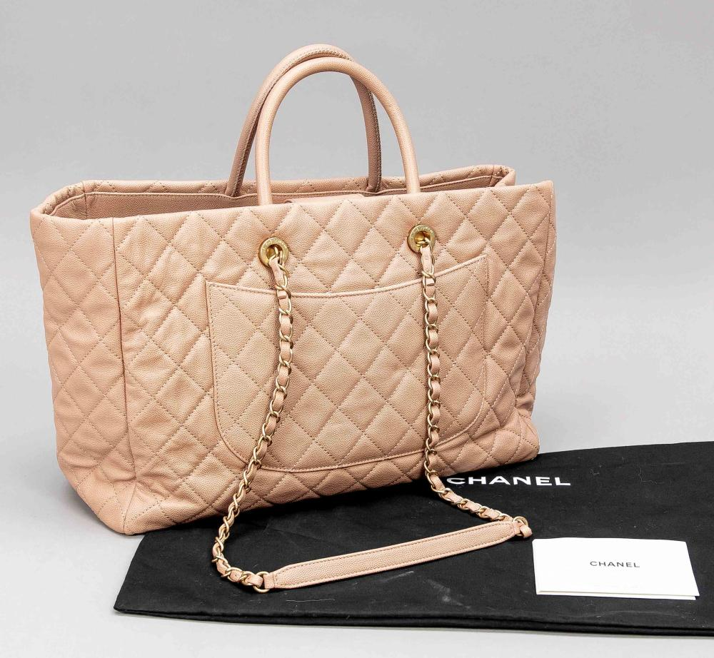 Chanel, Quilted Shopper, powde
