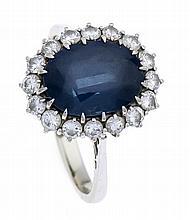 Saphir-Brillant-Ring WG 750/000 mit einem excellenten bis sehr guten oval f