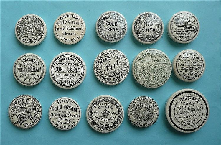 Fifteen various cold cream lids (15) pot lid, pot lids, potlid, potlids,