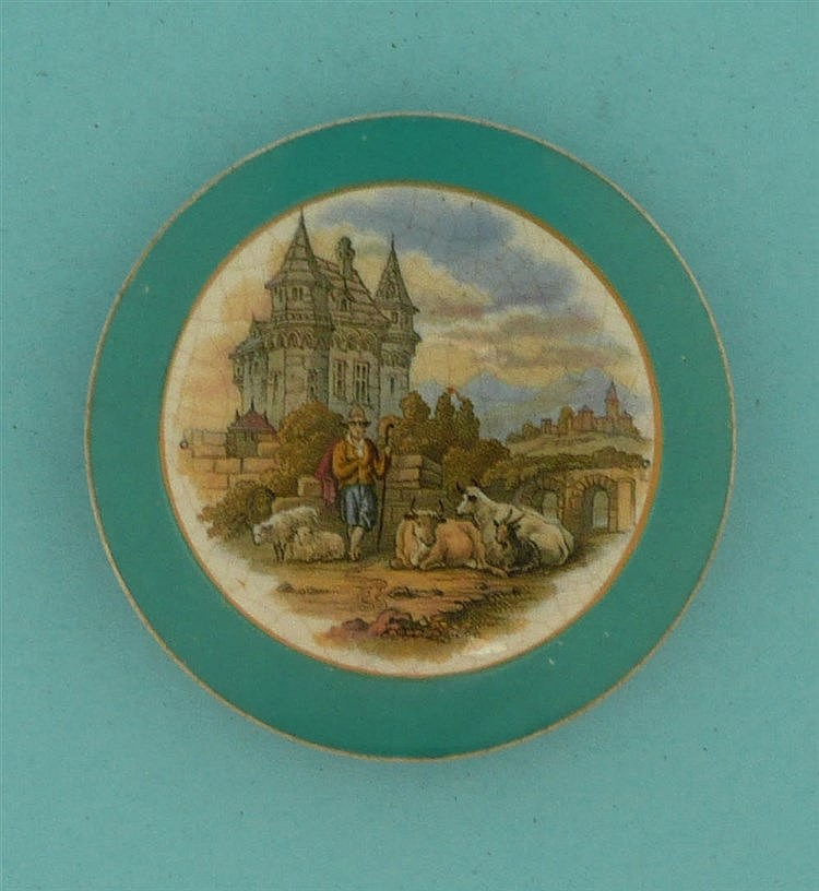 Medieval Mansion (374) green border    pot lid, pot lids, potlid, potlids,