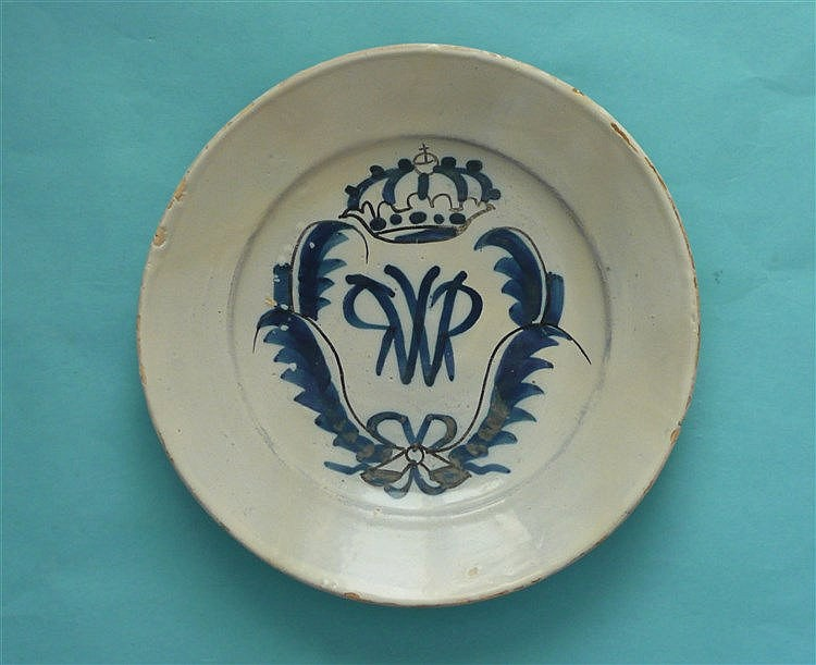 William III: a small Delft dish painted in blue and black with WR monogram