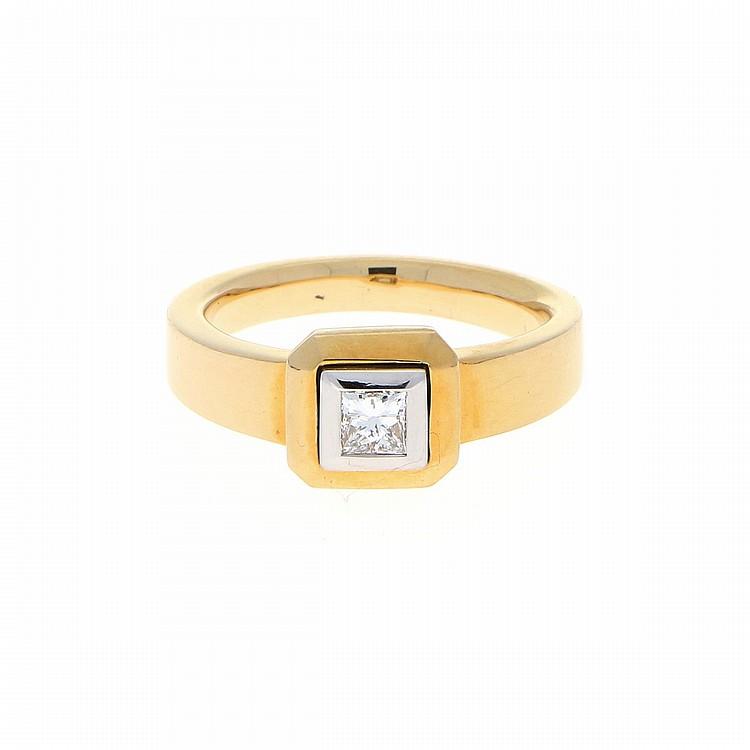 18K Yellow Gold 14K White Gold Princess Diamond Ring | Ring in 750er Gelbgold mit Princess-Diamant