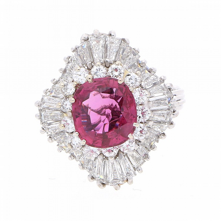 18K White Gold Ruby Diamond Ring | Weißgoldring mit einem Rubin und Diamanten