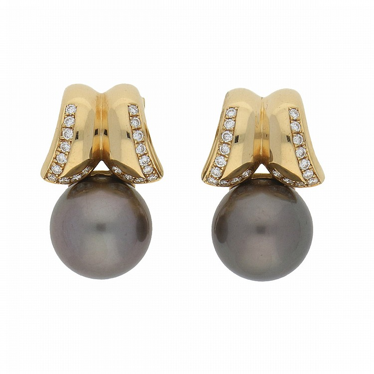 18K Yellow Gold Brilliant and South Sea Pearls Earrings | Paar Ohrclips mit Südseeperlen u. Brillanten in 750er Gelbgold