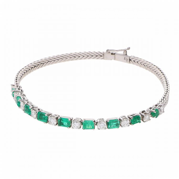 18K White Gold Brilliant and Emerald Bracelet | Smaragd-Armband aus 750er Weißgold mit Brillanten