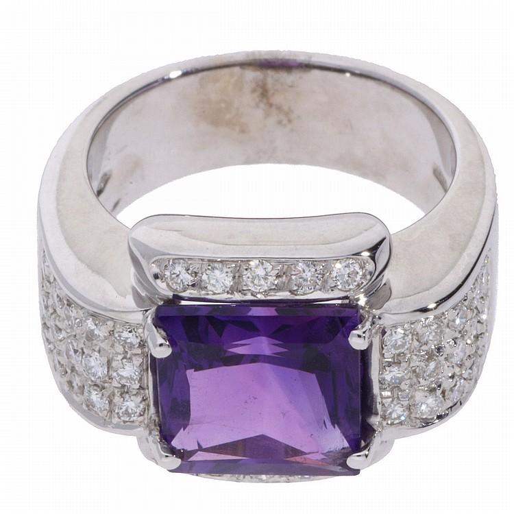18K White Gold Brilliant and Amethyst Ring | Ring in 750er Weißgold mit Brillanten und einem Amethyst