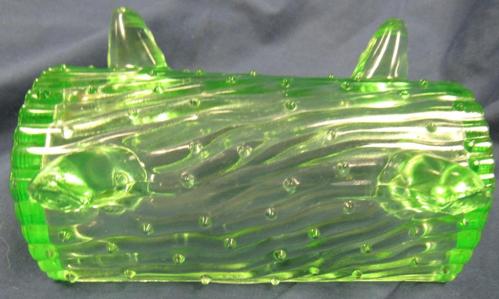 """Lot 80: Vintage 1903 Jefferson Green Depression/Vaseline Glass Town Pump Trough, 5"""" x 2 1/2"""" x 2""""H, EC"""