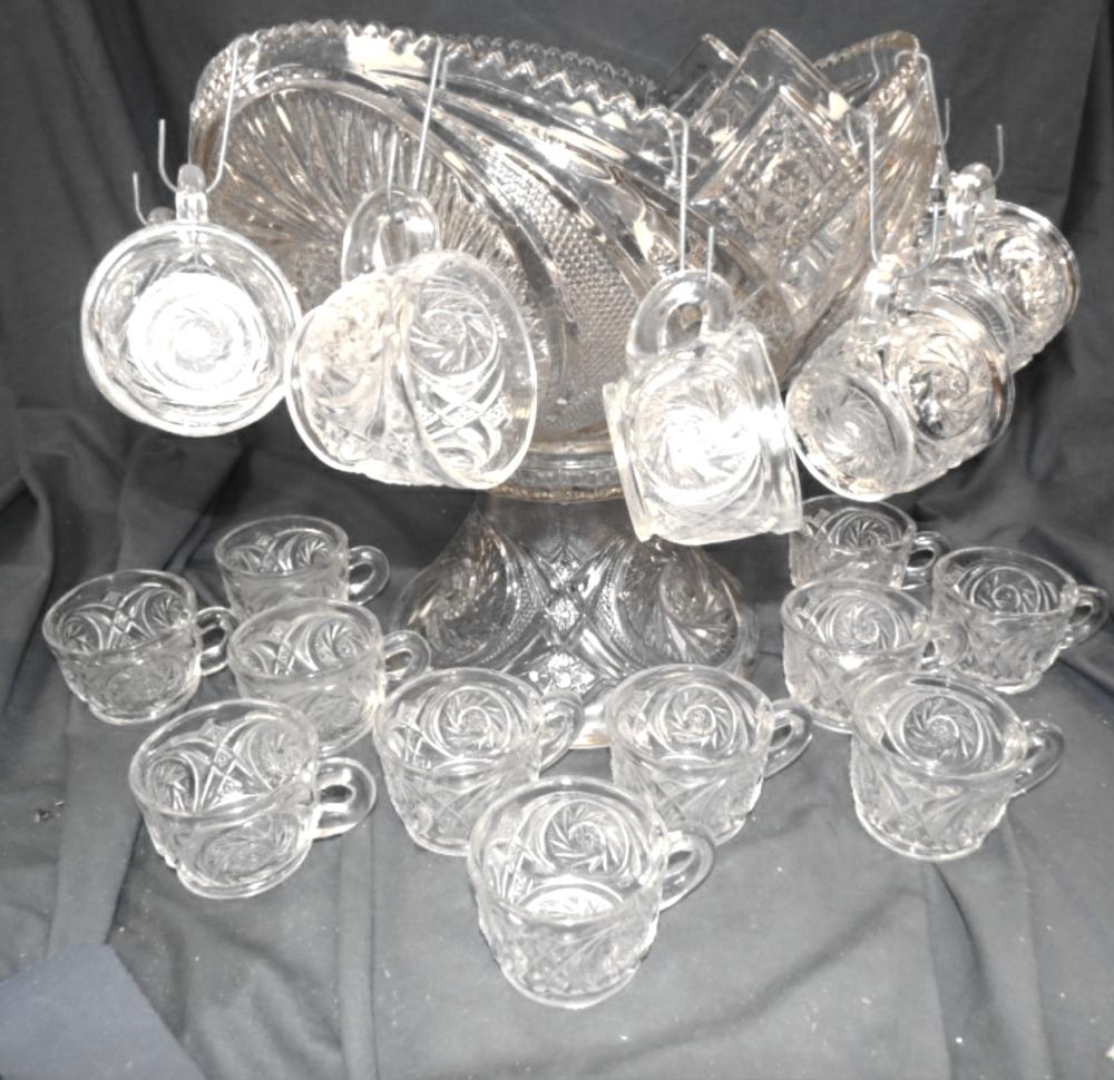 """Vintage McKee Whirling Star Punch Bowl 13"""" Dia x 14""""H with 23 Cups, EC"""