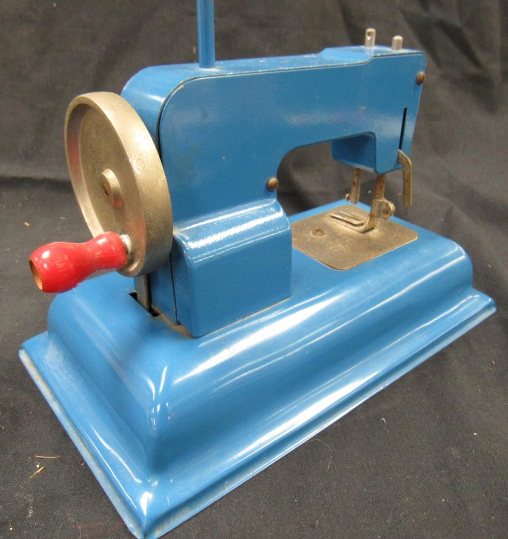 "Lot 108: Vintage Kay-EE Sew Master, 5 1/2"" x 8"" Long, missing one knob"