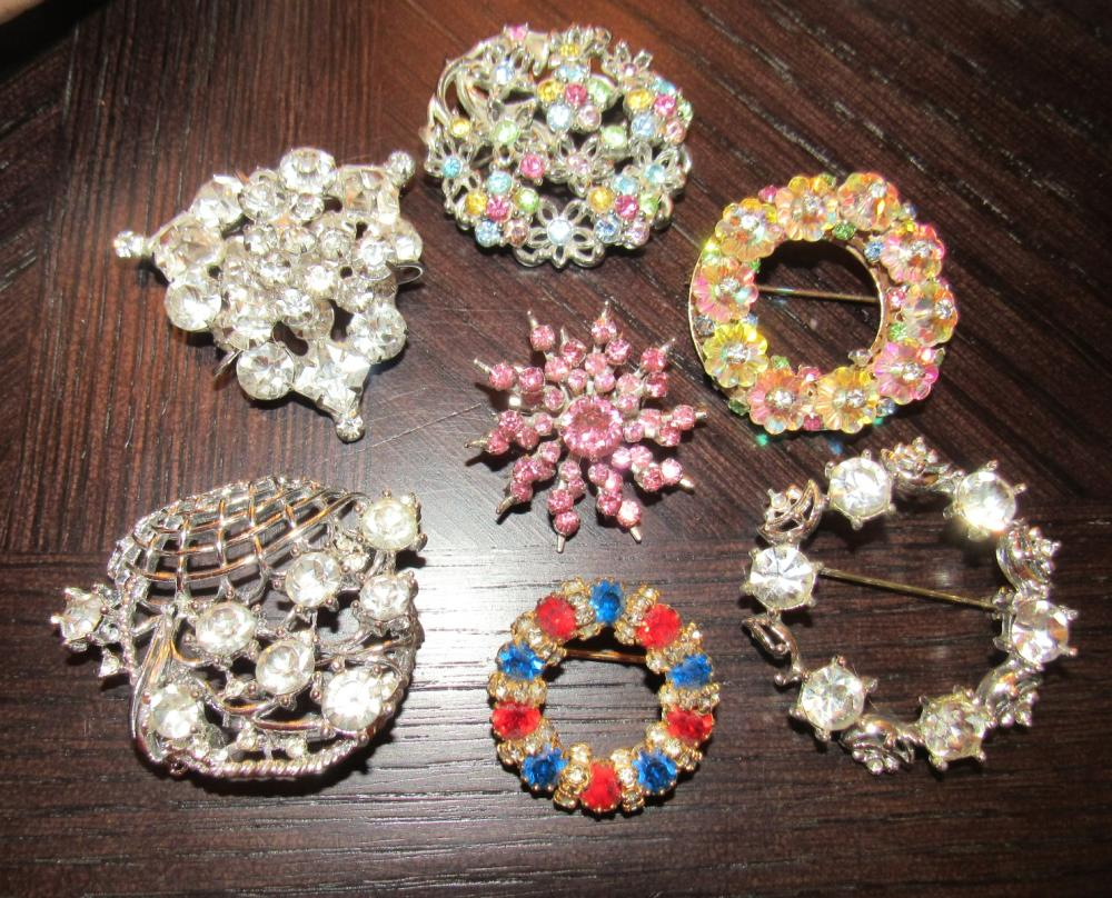 Seven Brooches of Vintage Rhinestone Costume Jewelry, EC