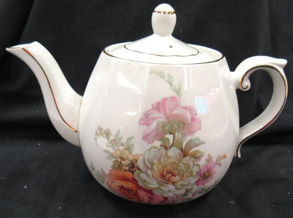 """Ellgreave Tea Pot, England, 5"""" Dia x 6""""H, EC"""