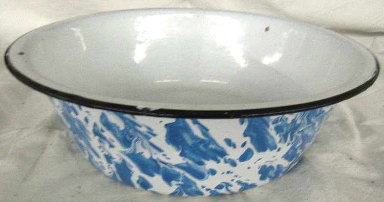 Antique Aqua Blue Swirl Enamelware Wash Bowl, 10