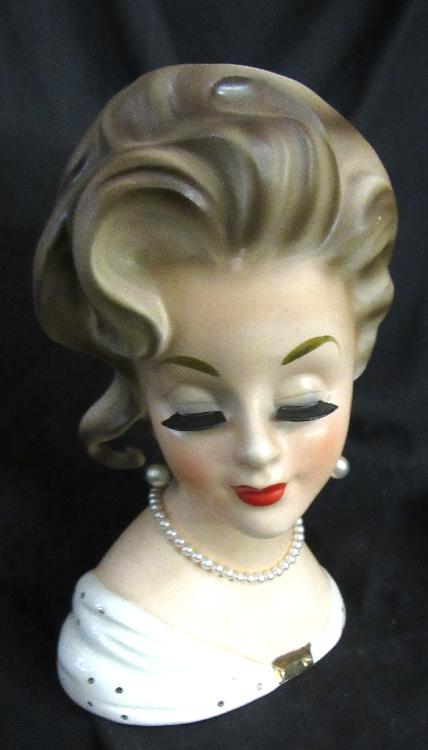 Vintage Lady Head Vase Gorgeous Gorgeous Blonde in White Dress Inarco E1067, 7 1/2