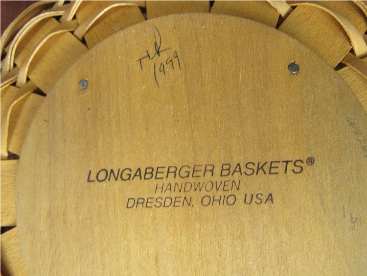 Longaberger Christmas Basket.1999 Longaberger Christmas Collection Popcorn Basket W Line