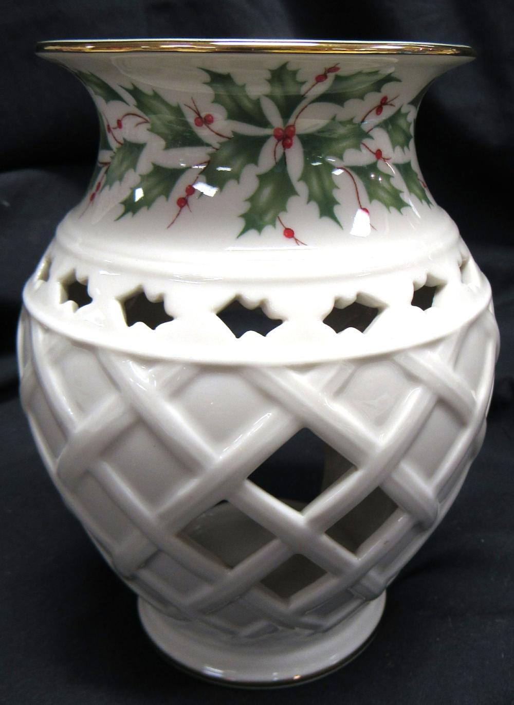 "Lenox USA Holiday Tartan Tea Candle Lamp, Fragrance Warmer, 5 3/4""H, EC"