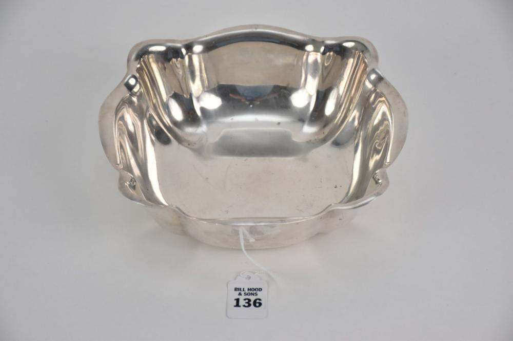"""Reed & Barton 1931 Sterling Silver Squared Bowl 400 Pattern - Marked with Reed & Barton Pictorial mark, sterling, and 400. 1931 """"axe"""" date mark. 2 3/4"""" H x 9"""" x 9"""". Weight: 15 Troy Oz. Condition: Minor normal wear."""