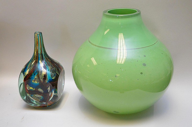 Two Art Glass Pieces Barbini Murano & American Artist - Includes a light green globular vase by Barbini Murano with clear bubble details, has sticker 11