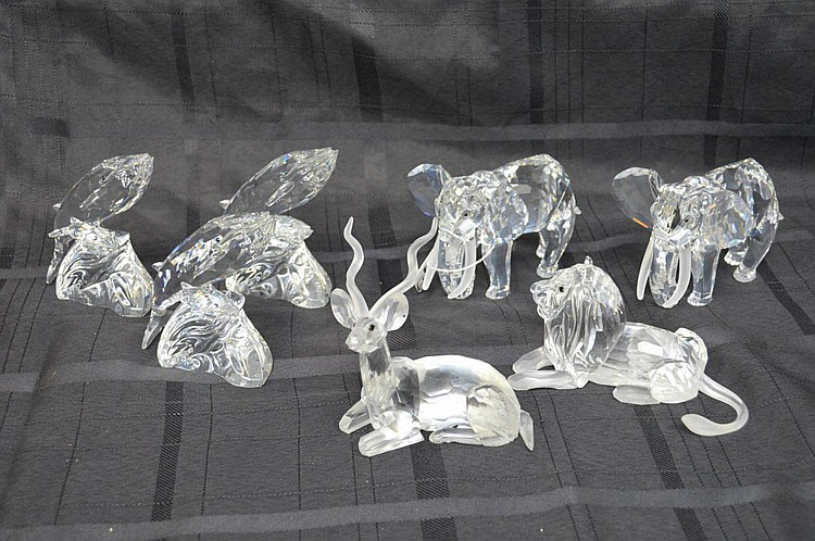 Collection of 7 Swarovski crystal figures, 2 Elephants (3 1/2