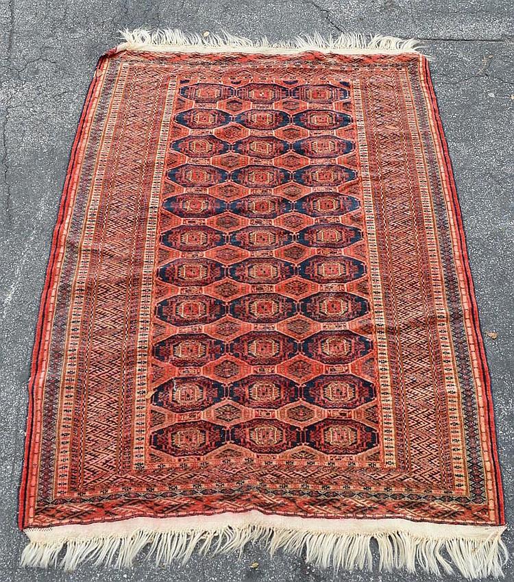 Persian Bohkara Carpet 3.10 x 5.6 feet