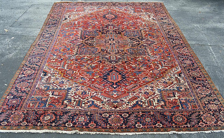 Persian Heriz Oriental Carpet, 13.4 x 10 feet