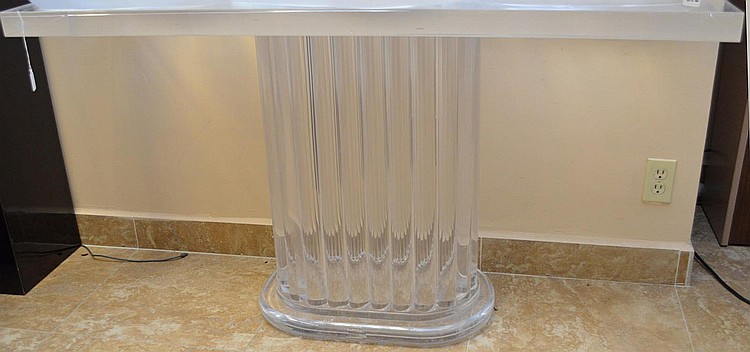 Lucite Console/ Curzon Stand. Condition: good with no noticeable damage. Ht. 31