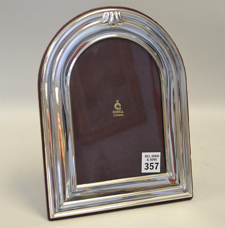 Cunill Orfebres Sterling Silver Picture Frame - Domed top picture frame fits a 5 x 8 photo. Has original box and information card. Red leather back. Condition: Excellent condition, never used. Dimensions: 10