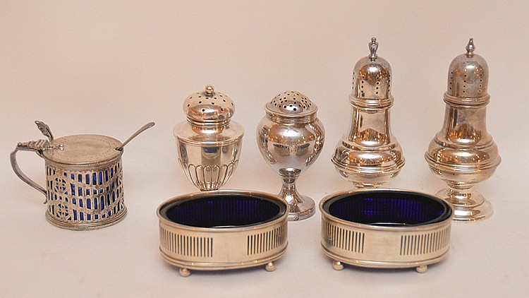 Lot Sterling: 2 Open Salts with cobalt liners, 4 assorted shakers, 1 Covered Master Salt with cobalt liner.