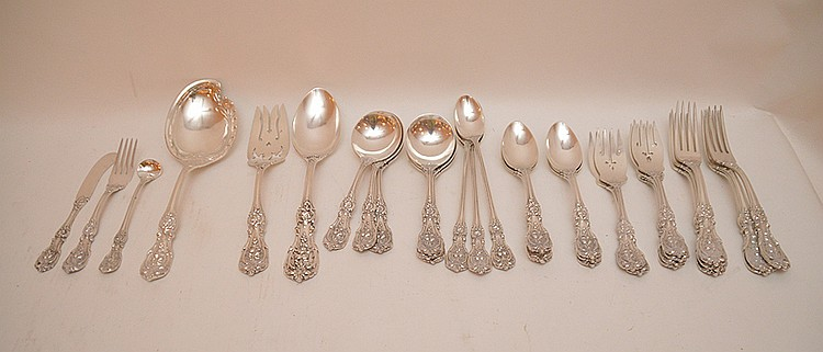69 Pieces Reed & Barton Francis I Part Flatware Service. 6 Dinner Forks Lth. 7