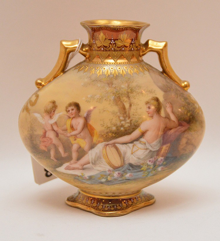 Very fine antique Royal Vienna cabinet vase, hand painted signed by Wagner, 5
