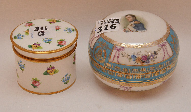 2 covered boxes, small Minton & Napoleon