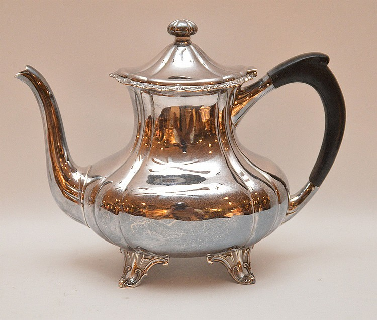 Sterling Silver Tea Pot. Ht. 8 1/4