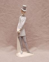Lladro Dapper Dan with his top hat, 10 1/2