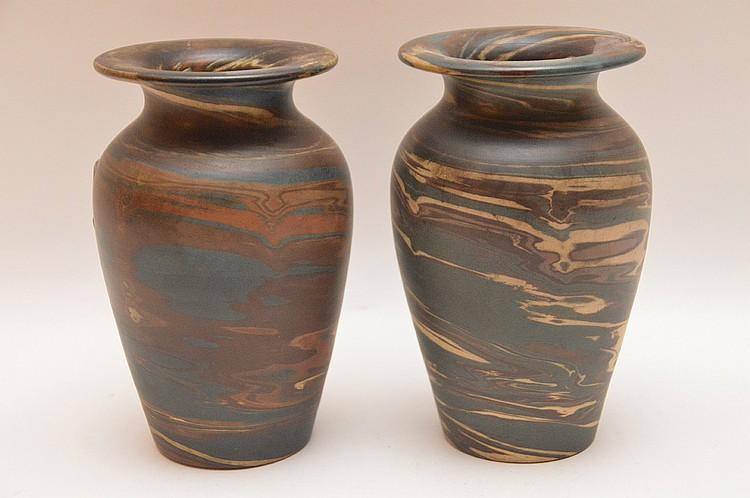 2 Niloak pottery vases, 6 1/4