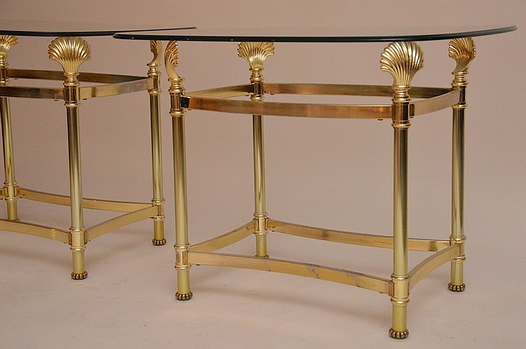Pair La Barge brass and glass end table shell form supports, unsigned, 23