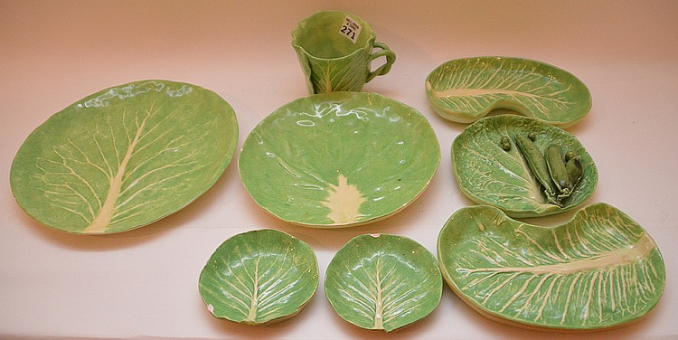Lot of Dodie Thayer assorted vintage lettuce leaf pieces, dinner plate, 9 1/2