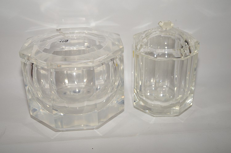 2 pieces of Lucite, ice bucket with cover (8