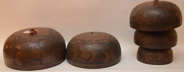 Very large 5pc. Oriental heavily decorated bell, largest is 5 1/2