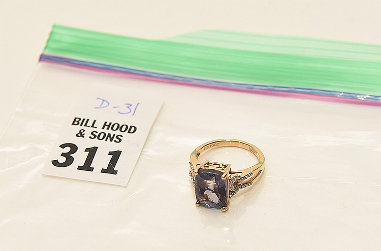 18K Yellow Gold Tanzanite & Diamond Ring. Size 7. Limited Edition 1/1 pieces. 3.74g of 18K Gold. With certificate of authenticity.