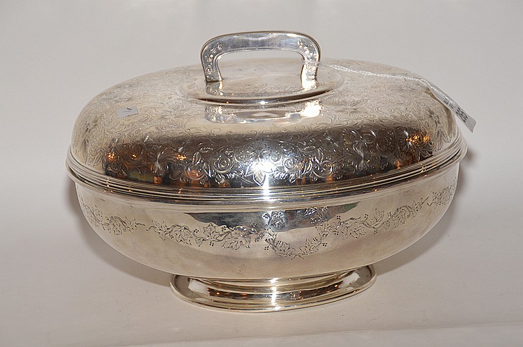 Sterling chased covered bowl, 37.6ozt, 6