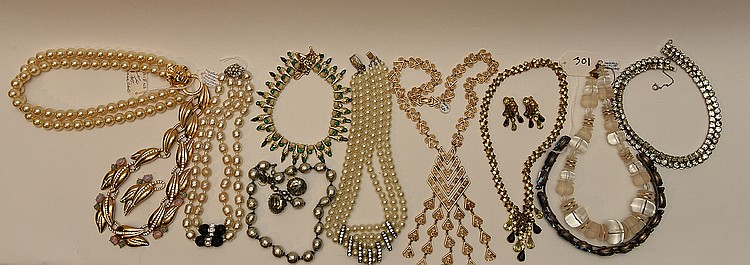Lot of 11 pieces of costume jewelry, incl; (1) Lucite necklace, signed Haskell, 16