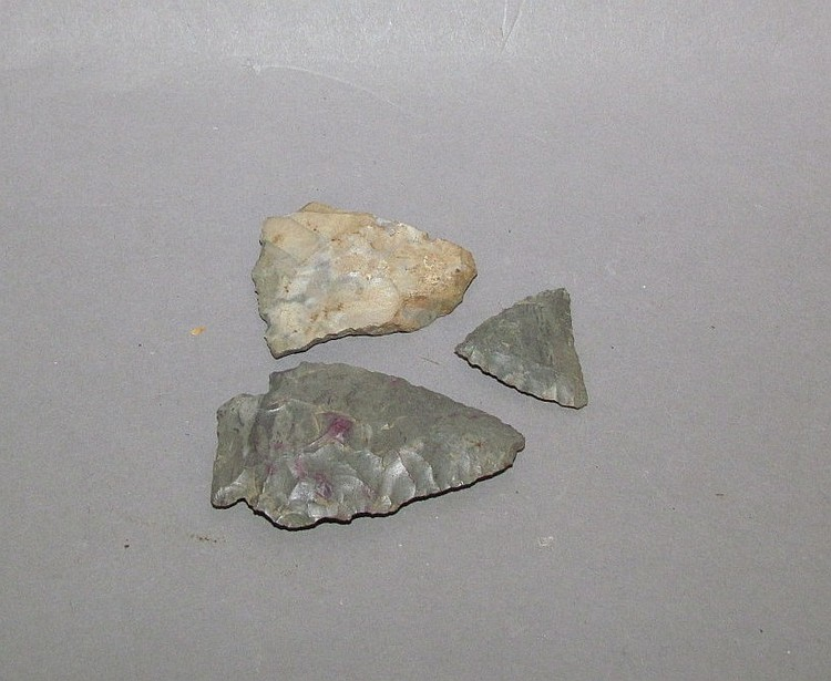 2 stone (chert?) arrowheads & 1 fragment from the Vineland, Niagara Peninsula