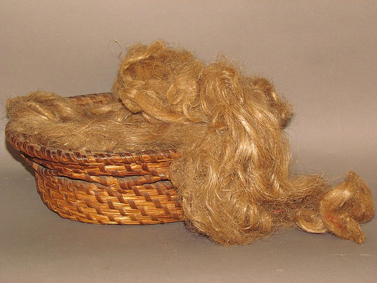 Rye straw sewing basket with open work