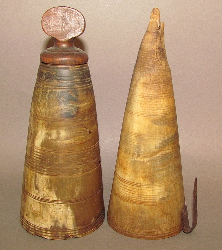 Pair of horn objects