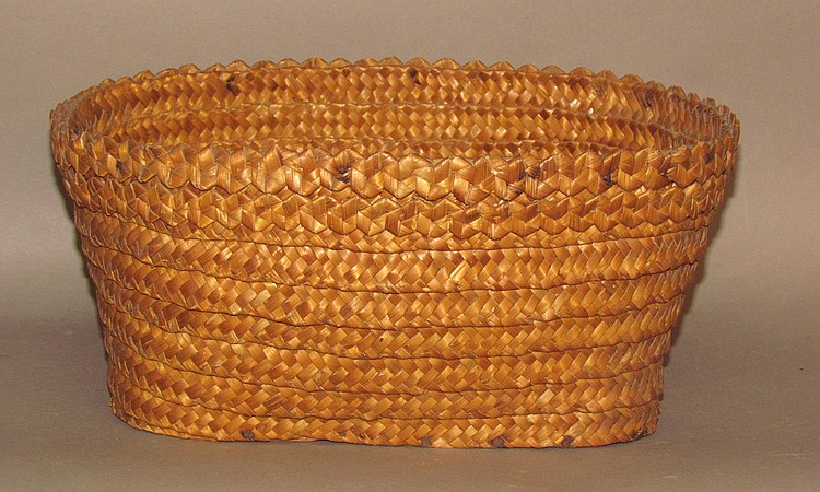 Plaited rye straw basket